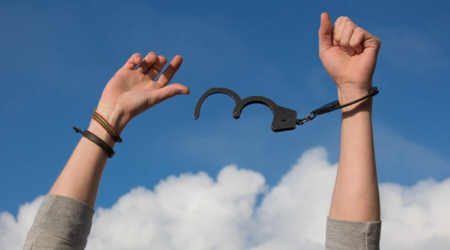 4 Ways To Experience Real Freedom and Live Without Fear