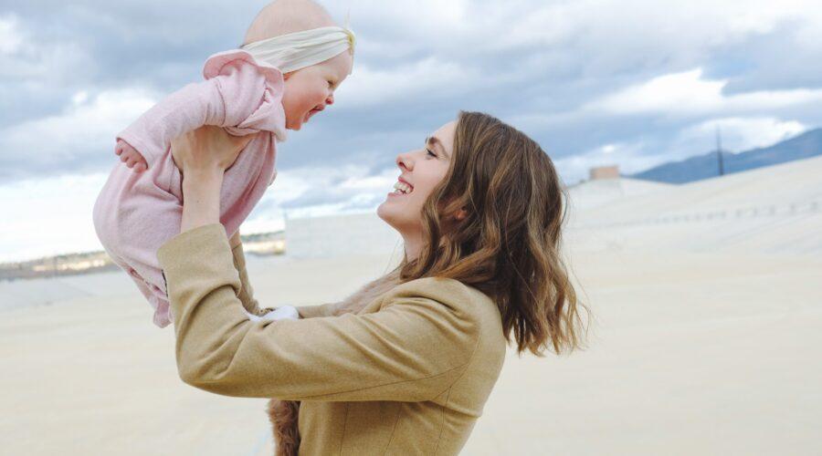 12 Savvy Tips for Balancing Your Career And Motherhood