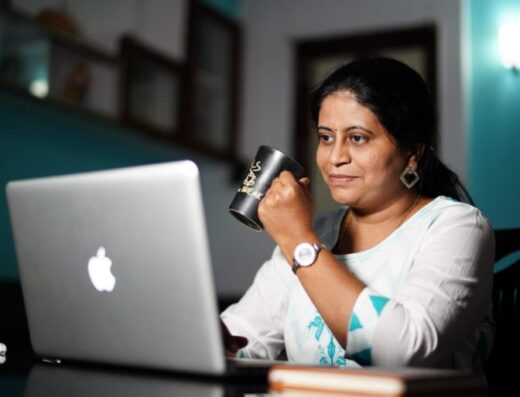 women digital coach